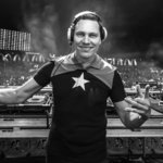 "Tiesto remixes ""Let Me Love You"" with other big names"