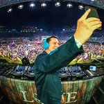 Tiesto is going on an 8-cityClub Life College Tour this fall!