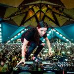 Skrillex & DJ Sliink featuring Wale – Saint Laurent